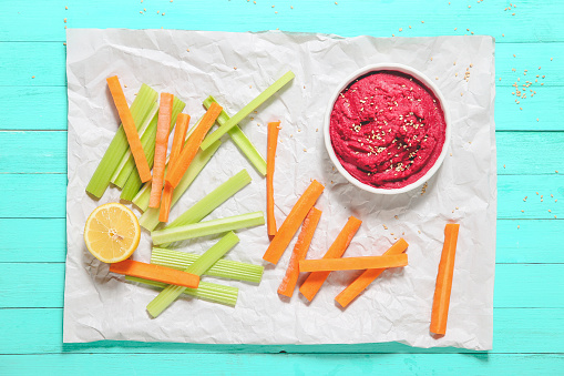 Celery「Bowl of beetroot hummus, sesame, and carrot and celery crudites」:スマホ壁紙(19)
