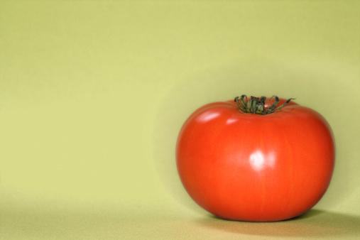 Side View「Tomato」:スマホ壁紙(8)