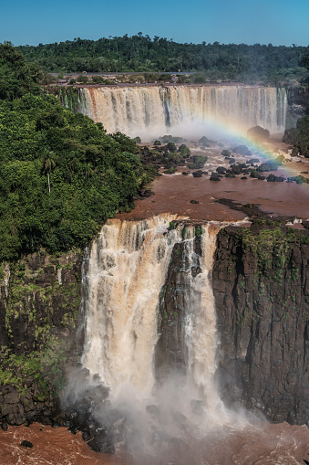 Vertical「View of Iguazu Falls (UNESCO World Heritage Site) from Brazilian side, with rainbow, Iguazu, Brazil」:スマホ壁紙(0)