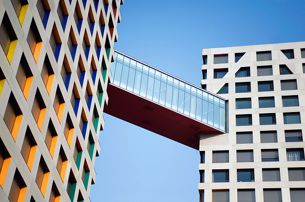 Low Angle View「Modern high rise apartment buildings in Central Business District of Beijing 2009」:写真・画像(5)[壁紙.com]