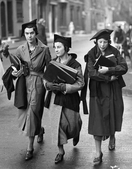 Females「Going To Lectures」:写真・画像(10)[壁紙.com]