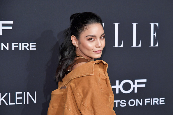 Vanessa Anne Hudgens「ELLE's 25th Annual Women In Hollywood Celebration Presented By L'Oreal Paris, Hearts On Fire And CALVIN KLEIN - Red Carpet」:写真・画像(3)[壁紙.com]