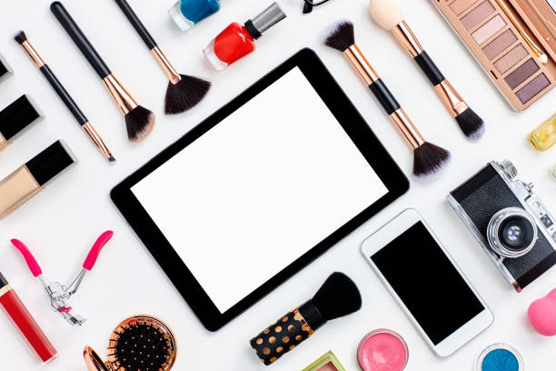 Beauty products surrounding digital tablet on white background:スマホ壁紙(壁紙.com)