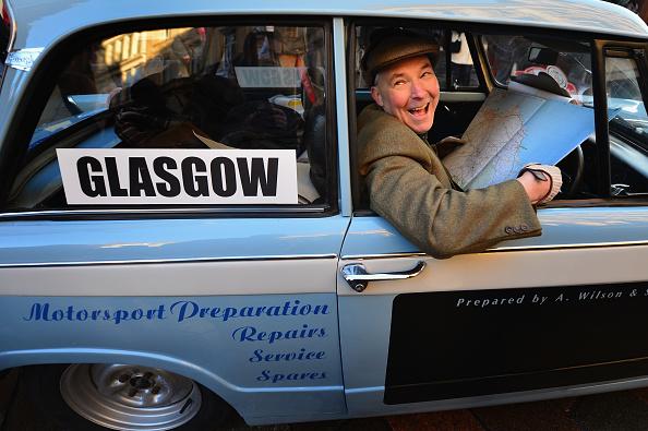 Jeff J Mitchell「Classic Cars Start The Monte Carlo Rally From Glasgow」:写真・画像(12)[壁紙.com]
