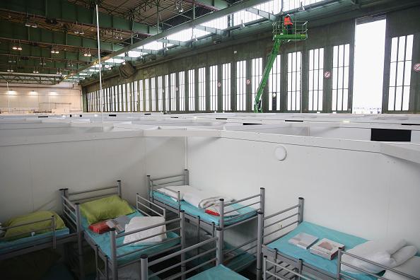 Job Search「Tempelhof To Expand Refugee Housing」:写真・画像(7)[壁紙.com]