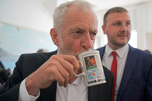イギリス「Labour Party Leader Visits Blackpool As Part Of His National Tour」:写真・画像(7)[壁紙.com]