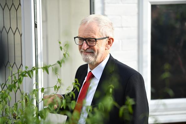 Jeremy Corbyn「Jeremy Corbyn Says He Will Step Down As Leader Following Party's Defeat」:写真・画像(18)[壁紙.com]