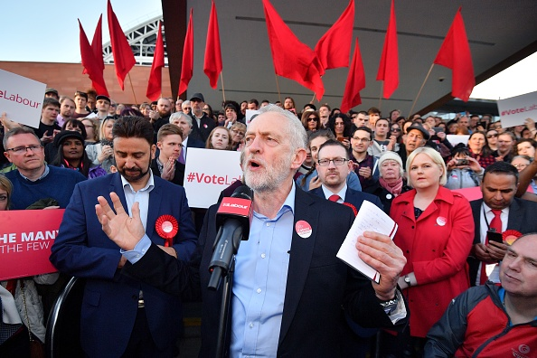 Motion「Jeremy Corbyn Attends A Momentum Event As Labour Losses Mount In Local Elections」:写真・画像(1)[壁紙.com]