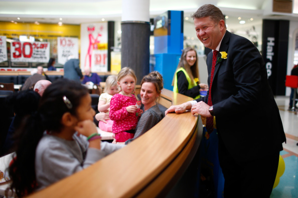 Phil Walter「Labour Leader David Cunliffe Visits New Lynn Electorate」:写真・画像(19)[壁紙.com]