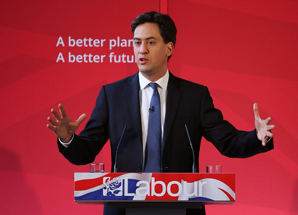 Politics and Government「Labour Party Leader Ed Miliband Holds Q&A In Bury」:写真・画像(18)[壁紙.com]