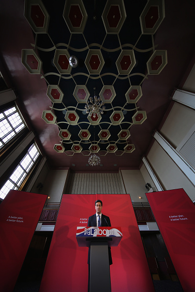 Politics and Government「Labour Party Leader Ed Miliband Holds Q&A In Bury」:写真・画像(17)[壁紙.com]