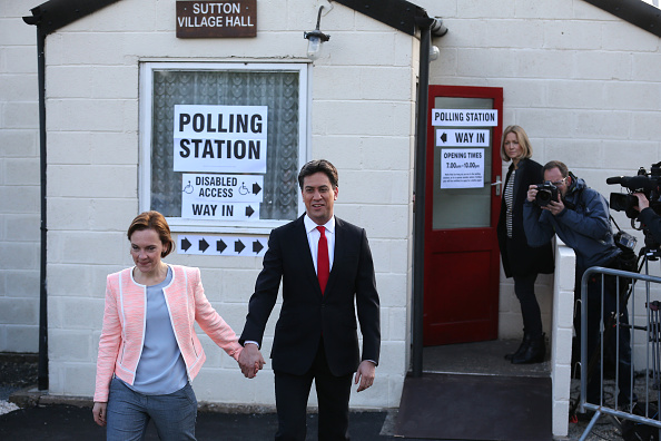 Politics and Government「Leader Of The Labour Party, Ed Miliband, Casts His Vote As The UK Goes To The Polls」:写真・画像(2)[壁紙.com]