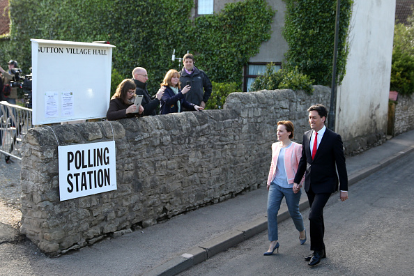 Politics and Government「Leader Of The Labour Party, Ed Miliband, Casts His Vote As The UK Goes To The Polls」:写真・画像(1)[壁紙.com]