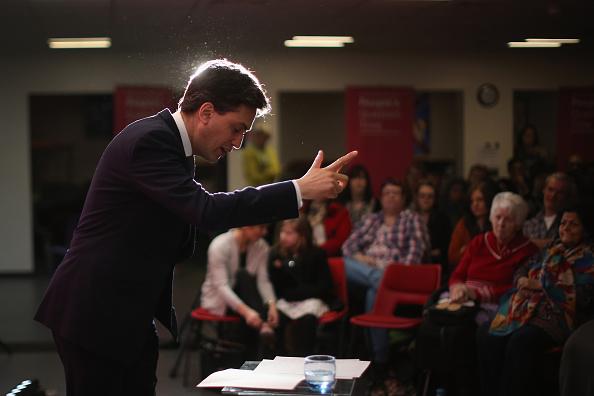 Three Quarter Length「Ed Miliband In Pledge To Lancashire Economy」:写真・画像(15)[壁紙.com]