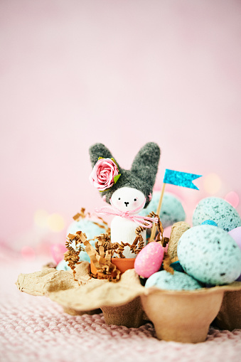 Easter Bunny「Handmade Easter bunny in cardboard egg carton with Easter eggs and flags」:スマホ壁紙(3)