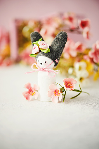 Baby Rabbit「Handmade Easter bunny with blossoms」:スマホ壁紙(17)
