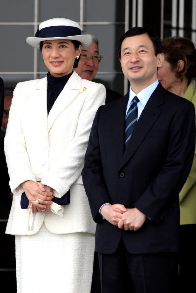 Japanese Royalty「Emperor Akihito And Empress Michiko Leave For Norway And Ireland On An Eight-Day Official Visit」:写真・画像(6)[壁紙.com]