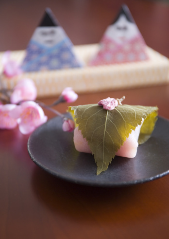 ひな祭り「Hina dolls and sakura mochi (cherry flavored soft sweet rice cake)」:スマホ壁紙(12)