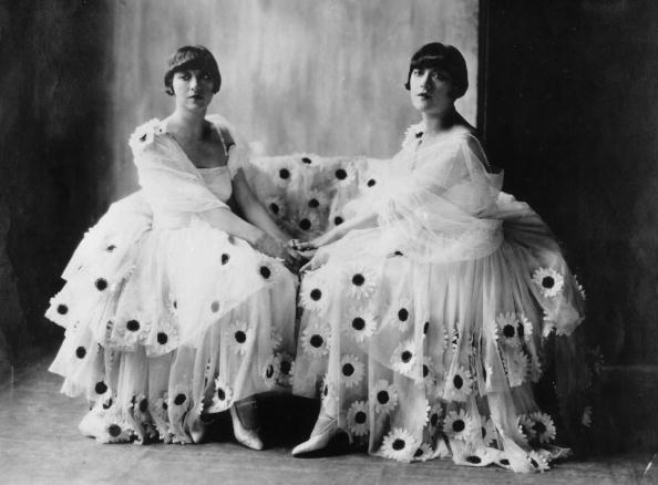 Embroidery「Dolly Sisters」:写真・画像(13)[壁紙.com]
