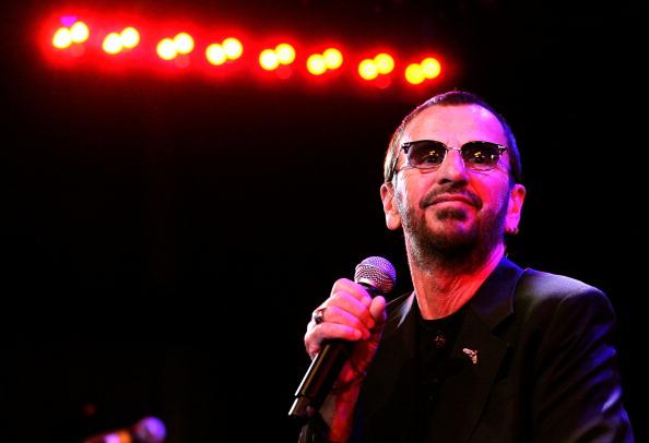 リンゴ・スター「'SiriusXM's Town Hall With Ringo Starr' And Host Russell Brand And Moderator Don Was Live On SiriusXM's The Spectrum Channel」:写真・画像(4)[壁紙.com]