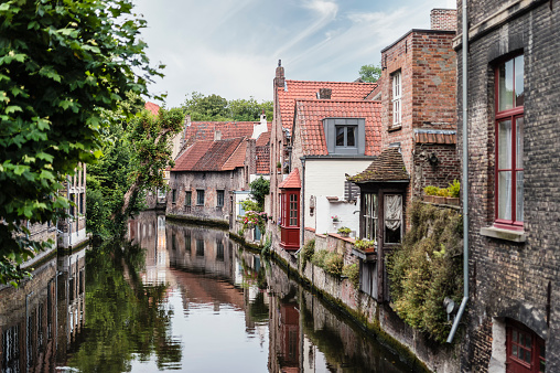 West Flanders「Belgium, Flanders, Bruges, old houses at canal」:スマホ壁紙(15)