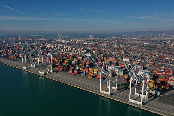 Oakland - California「WTO Projects That Global Trade Flows Will Fall To Lowest Level In 10 Years」:写真・画像(14)[壁紙.com]