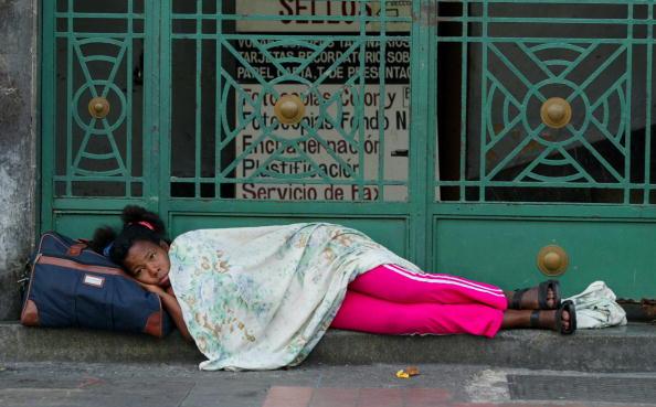 有事「Frustrated  Venezuelans Wait In Lines For Gas On Christmas Day」:写真・画像(5)[壁紙.com]