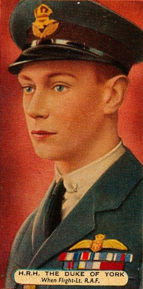 Cigarette Card「The Duke of York when he was a Flight Lieutenant in the RAF, c1918 (1935). Artist: Unknown.」:写真・画像(2)[壁紙.com]