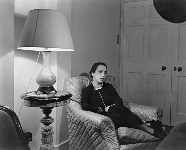 Armchair「Elsa Schiaparelli」:写真・画像(3)[壁紙.com]