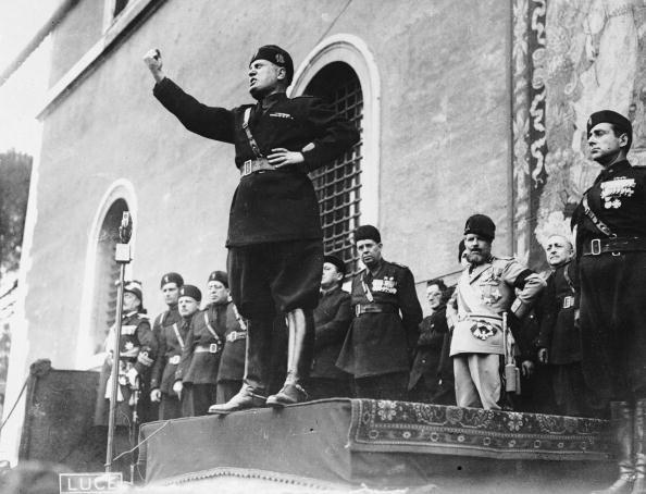 Speech「Benito Speech」:写真・画像(0)[壁紙.com]