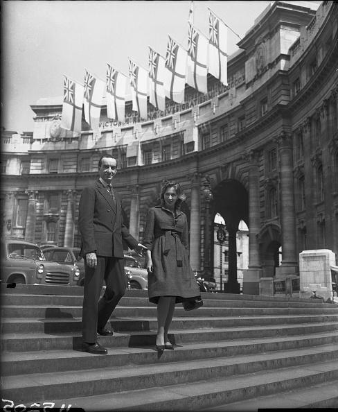 Emilio Pucci「Emilio And Cristina Pucci」:写真・画像(4)[壁紙.com]