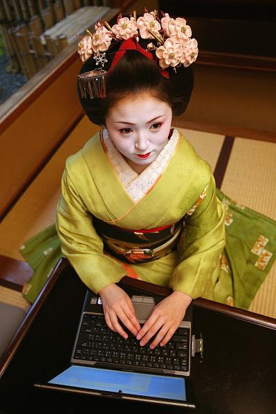 茶室「Weblog Opens Up The World Of Maiko Or Young Geisha」:写真・画像(14)[壁紙.com]