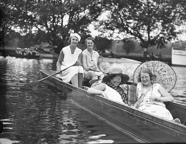 Henley-On-Thames「Relaxing In Punt」:写真・画像(13)[壁紙.com]