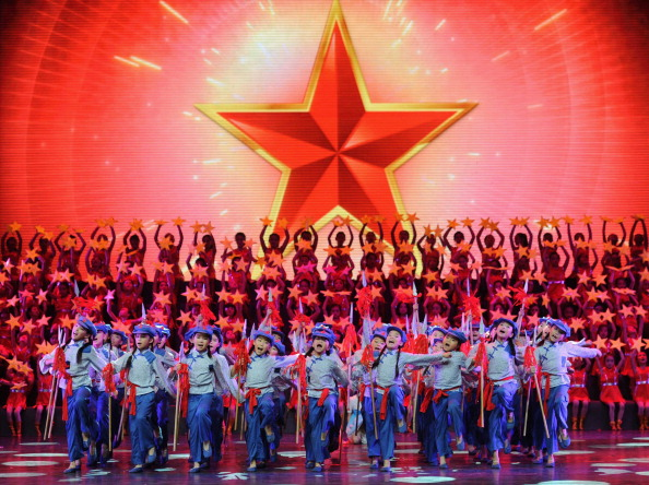 歌う「Communist Party Of China Celebrates Its 90th Birthday」:写真・画像(2)[壁紙.com]