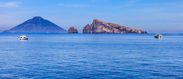 Stromboli Island「Panarea, Lisca Bianca - Aeolian Islands, Sicily」:スマホ壁紙(6)