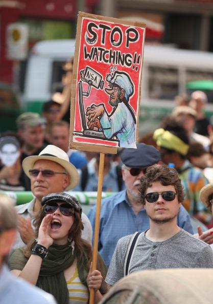 Strategy「Demonstrators Protest NSA Surveillance」:写真・画像(17)[壁紙.com]