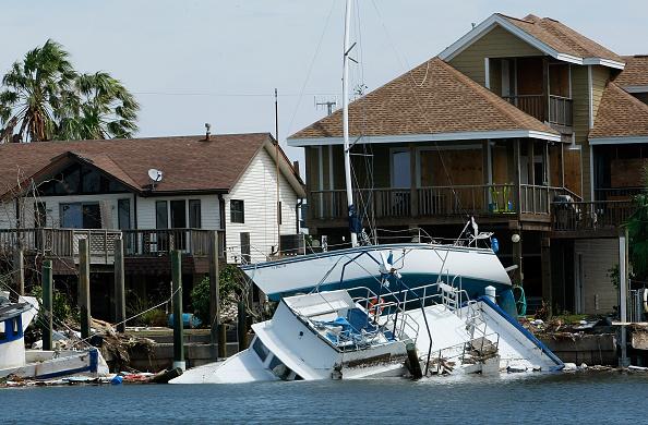 Galveston - Texas「Coastal Texas Faces Heavy Damage After Hurricane Ike」:写真・画像(8)[壁紙.com]