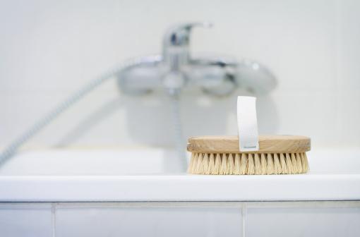 Health Spa「Bath brush in bathroom」:スマホ壁紙(15)