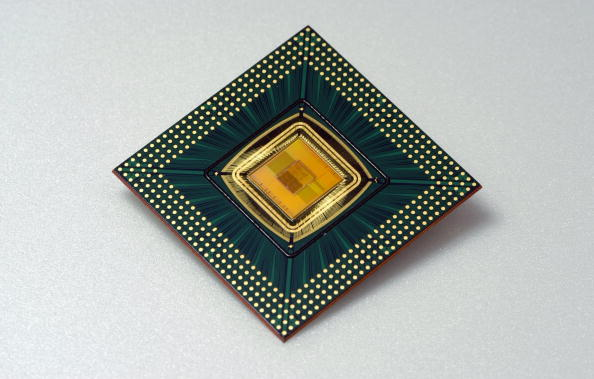 CPU「Samsung Introduces 667MHz Mobile CPU for 3G Mobile Handheld Devices」:写真・画像(2)[壁紙.com]