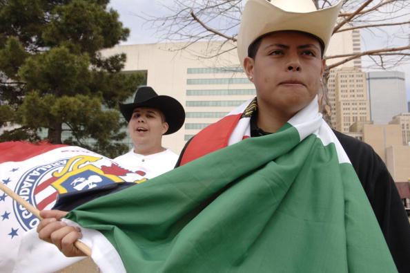 Strategy「Dallas High School Students Protet Immigrant Policy」:写真・画像(1)[壁紙.com]