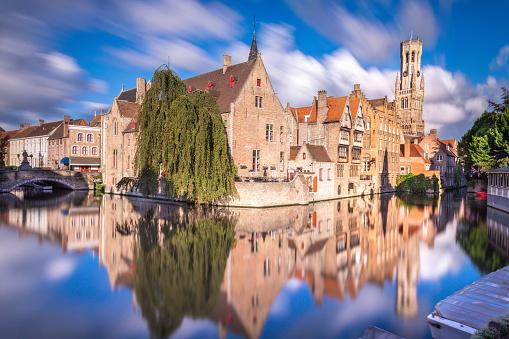 Belgium「Long exposure Idyllic blurred Rozenhoedkaai at sunrise – Bruges medieval old town - Belgium」:スマホ壁紙(5)
