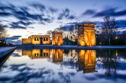 Temple - Building「long exposure Sunset view of Temple of Debod in City of Madrid, Spain」:スマホ壁紙(11)