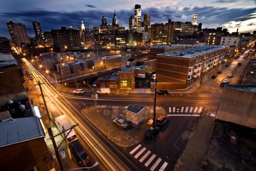 Pennsylvania「Long Exposure of Downtown Philadelphia Skyline at Dusk」:スマホ壁紙(5)