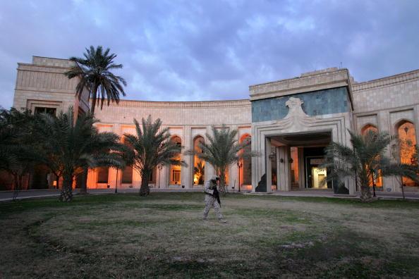 Baghdad「Marines Secure U.S. Embassy In Baghdad」:写真・画像(0)[壁紙.com]