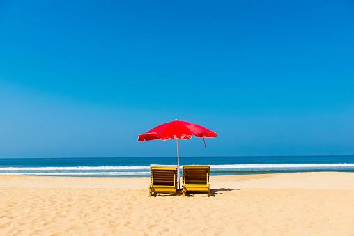 Sri Lanka「Beach loungers and Parasols, Bentota Beach, Sri Lanka」:スマホ壁紙(14)