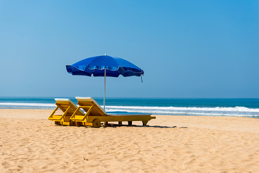 Deck Chair「Beach loungers and Parasols, Bentota Beach, Sri Lanka」:スマホ壁紙(8)