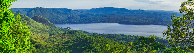 Beacon「Panorama view from above Beacon, N.Y., toward Storm King Mountain and Hudson River」:スマホ壁紙(14)