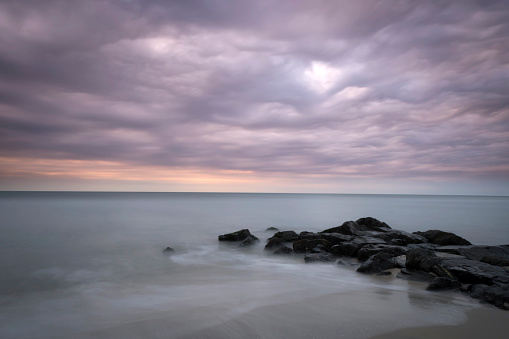 Pastel「Stones on seashore, Cape May National Seashore, New Jersey, USA」:スマホ壁紙(19)