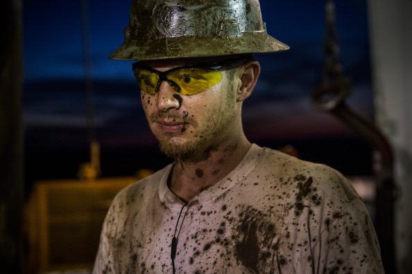 Shale「Oil Boom Shifts The Landscape Of Rural North Dakota」:写真・画像(4)[壁紙.com]