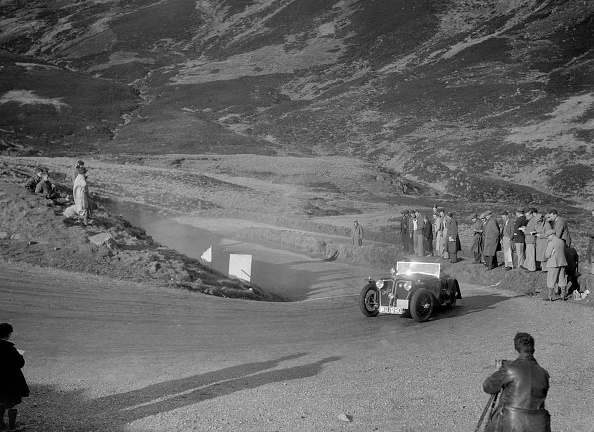 Steep「Home-built Cowal 2-seater of JW Robertson at the RSAC Scottish Rally, Devil's Elbow, Glenshee, 1934」:写真・画像(15)[壁紙.com]